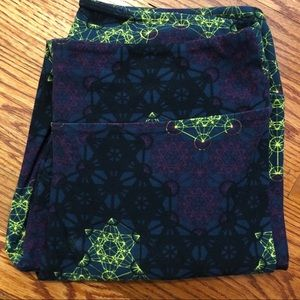 lularoe mandala pattern leggings - size TC